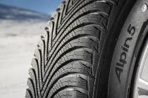 Michelin ALPIN 5 215/55 R17 94H