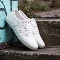 Radii Axel Triple White Waxed Pebble Leather