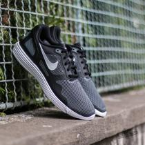 Nike Lunar Flow SE Black/ White-Dark Grey